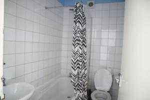 A bathroom at The View, Brighton
