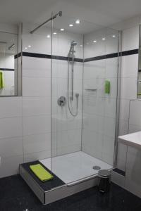 A bathroom at Hotel Am Freischütz