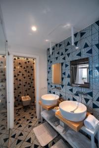A bathroom at Hotel Montemare