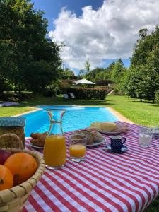 The swimming pool at or close to Quinta Lamosa Agroturismo