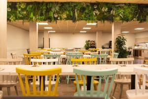 Een restaurant of ander eetgelegenheid bij Aparthotel Ona Palamós