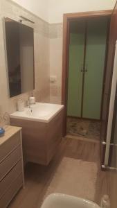 A bathroom at B&B Molly