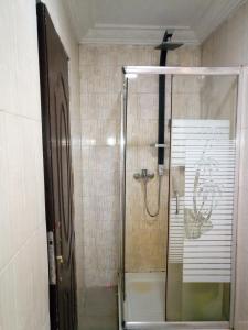 A bathroom at KH Lodge Abuja