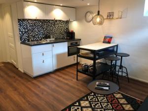 Majoituspaikan Stava Mosters keittiö tai keittotila