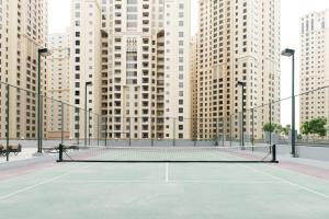 Tennis and/or squash facilities at Boutique Living - Dubai Marina Wharf 2 or nearby