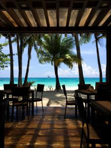A restaurant or other place to eat at 357 Boracay Resort