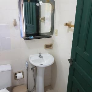 A bathroom at Pousada Bela Paraty
