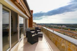 A balcony or terrace at Perlina