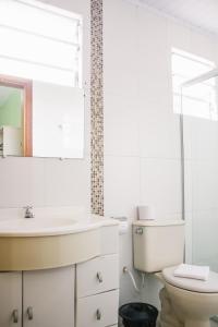A bathroom at Hotel Guaíba