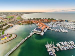 A bird's-eye view of Quality Resort Sorrento Beach