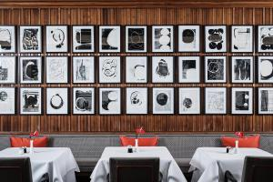 A restaurant or other place to eat at Althoff Hotel am Schlossgarten