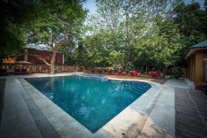 The swimming pool at or close to Royal House Resort