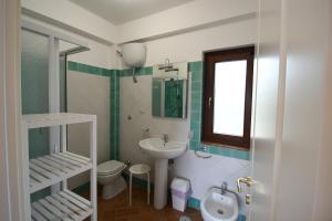 A bathroom at Le Case di Arconte