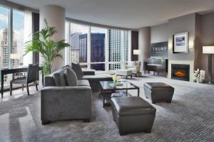 A seating area at Trump International Hotel & Tower Chicago