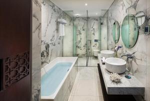 حمام في Millennium Place Dubai Marina