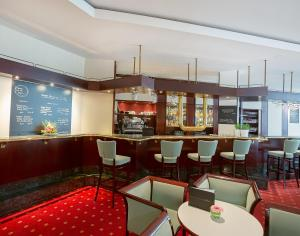 The lounge or bar area at Dorint Hotel Leipzig
