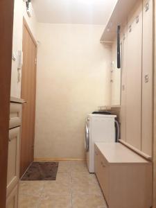 A bathroom at Квартира на Мосфильмовском