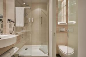 A bathroom at H2 Hotel Berlin-Alexanderplatz
