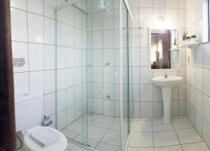 A bathroom at Bomar Residence