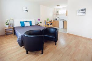 A seating area at Apartman Szanyi