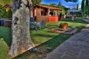 A garden outside Finca Almenara de Copau