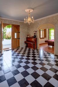 The lobby or reception area at Finca Almenara de Copau