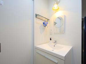 A bathroom at セカンドハウスのようなプライベート宿 東京平和島 T House