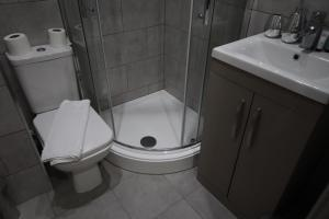 A bathroom at Halifax House, Studio Apartment 213