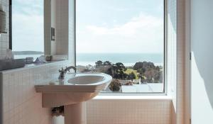 A bathroom at Hotel Cristina