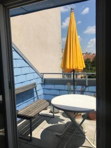A balcony or terrace at Grazer Schwalbe
