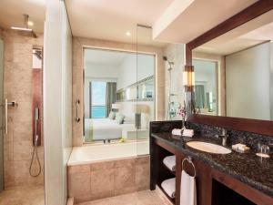 حمام في جيه ايه فندق أوشن فيو