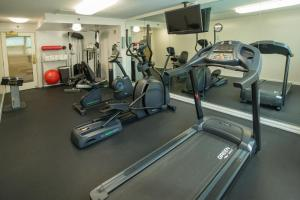 The fitness center and/or fitness facilities at Ramada Plaza by Wyndham Waikiki