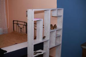 Двухъярусная кровать или двухъярусные кровати в номере Уютная квартира