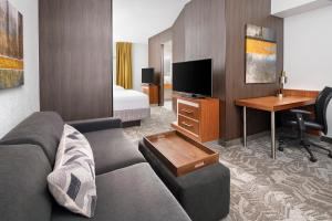 A seating area at SpringHill Suites Scottsdale North