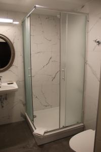A bathroom at Margis Hotel & SPA