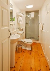 A bathroom at Union Street Inn