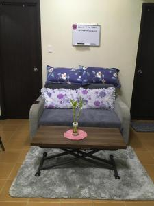 A seating area at Ophiria Rental