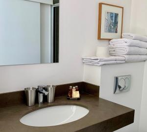 A bathroom at Le Couvent Marseille