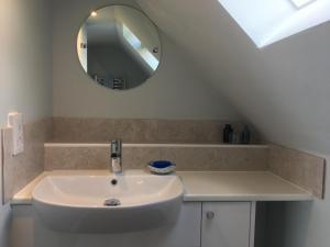 A bathroom at Lockwood House