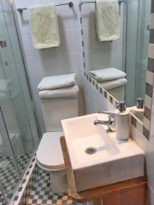 Un baño de Tralkan B&B