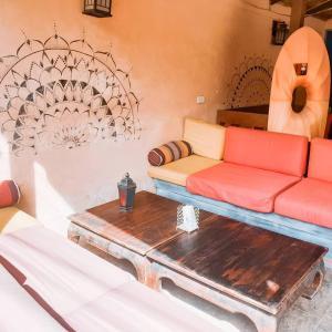 Ein Sitzbereich in der Unterkunft Casa Luna Hostel