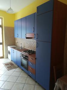 A kitchen or kitchenette at Casa Vacanze Nantò