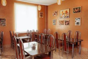 Ресторан / где поесть в Кросс Мотель