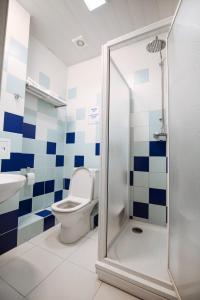 Ванная комната в Кросс Мотель