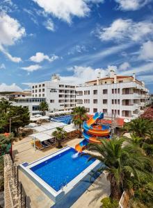 Вид на бассейн в Hotel Billurcu или окрестностях