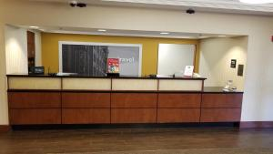 The lobby or reception area at Hampton Inn St. Louis-Airport