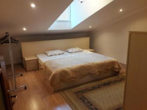 Cama ou camas em um quarto em TATIANA'S Apartament 3 bedrooms