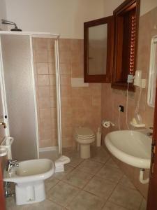 A bathroom at Hotel Il Platano