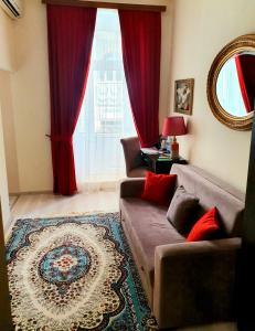 Uma área de estar em La Casa Baku