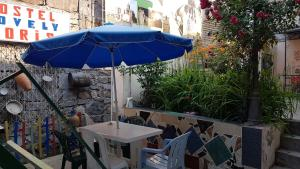 A restaurant or other place to eat at Lovely Goris
